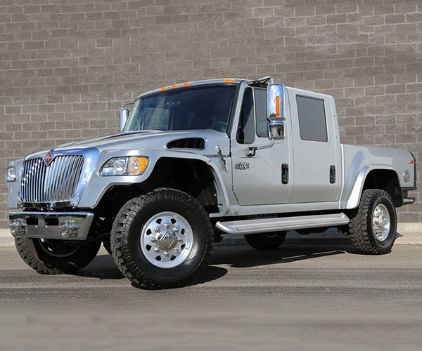 Rare, Low Mileage International MXT 4×4 Truck for Sale