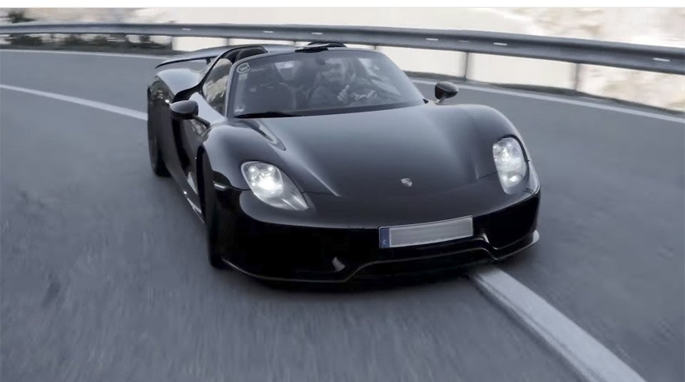 Watch 19 Porsche 918 Spyders Parade Through the Alps