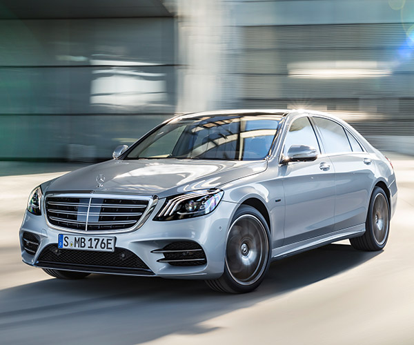 2019 Mercedes-Benz S560e: A Plug-in Hybrid Luxury Sedan