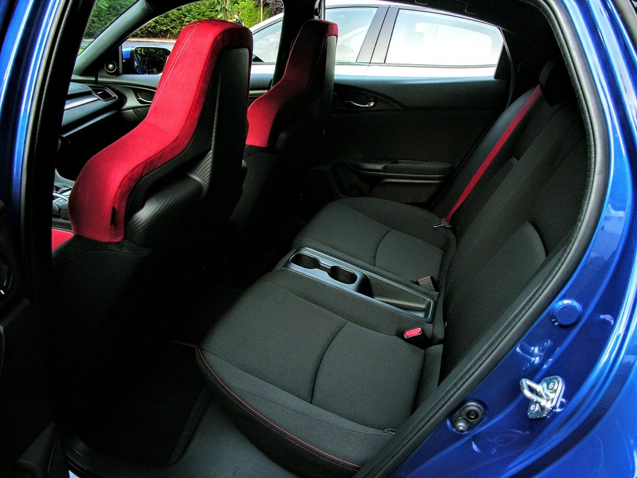 2018 honda civic type r review the complete hot hatch. Black Bedroom Furniture Sets. Home Design Ideas