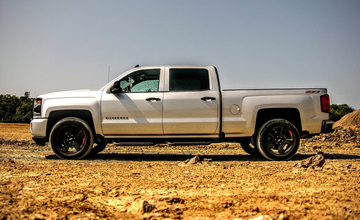 2017 Chevrolet Silverado 1500 Z71 Review: Taking it to Redline