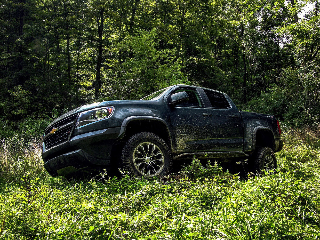 2017 chevy colorado zr2 review impulsive pickup truck tracks 95 octane. Black Bedroom Furniture Sets. Home Design Ideas