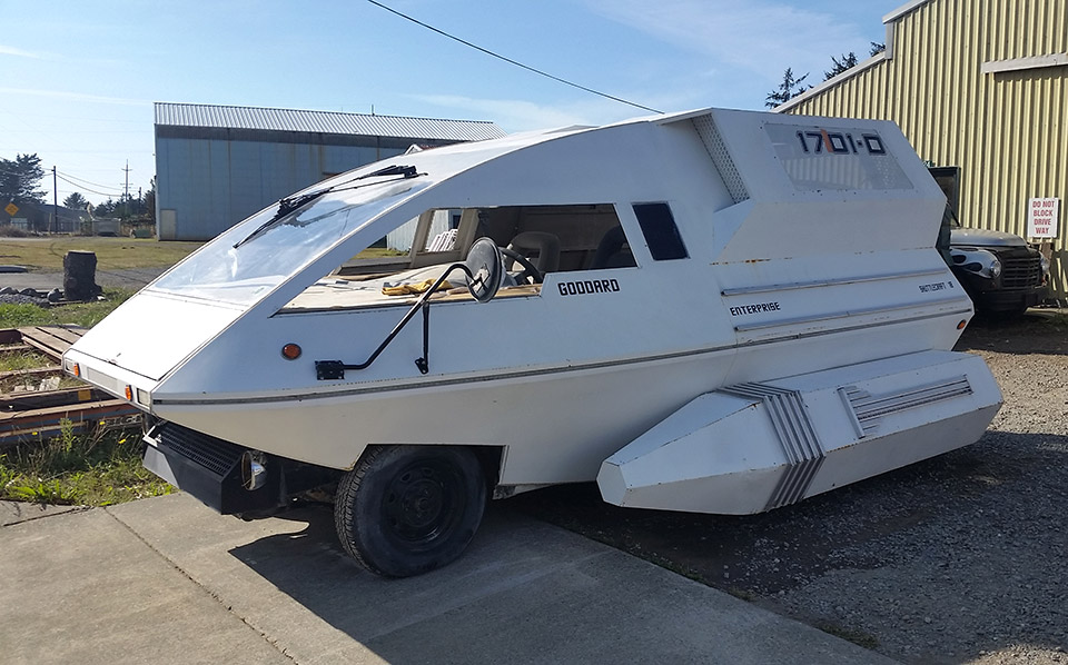 This Star Trek Shuttlecraft Car Is the Best Use of a Minivan Ever