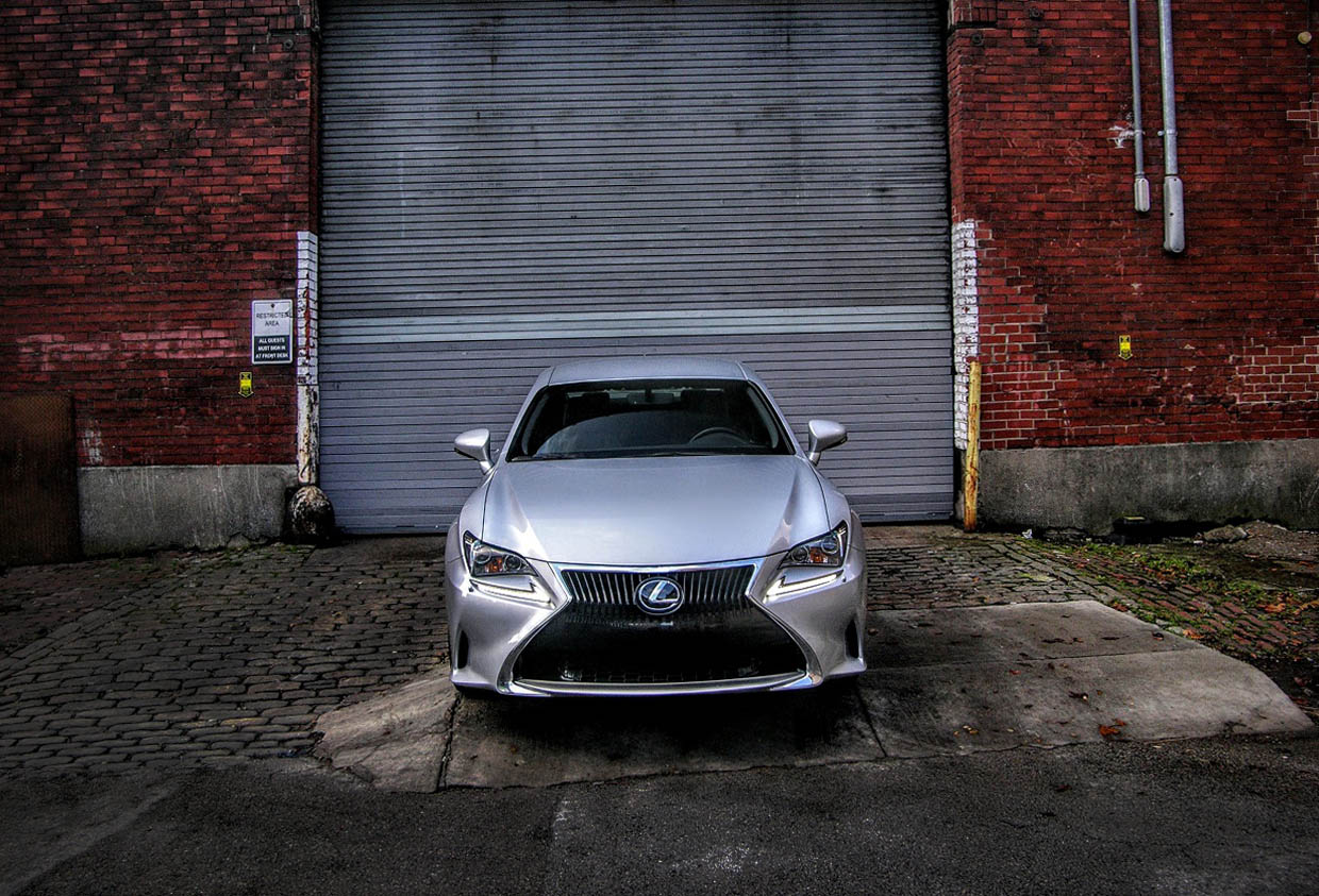 2017 Lexus RC200t Review: A Corner-cutting Luxury Coupe