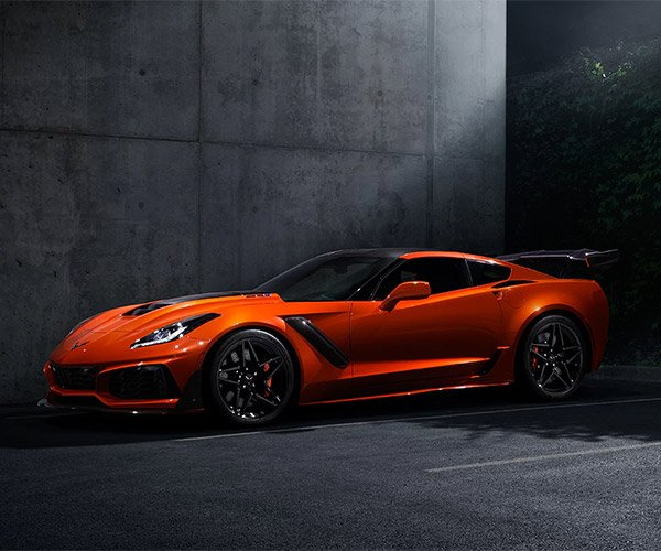 2019 Chevy Corvette ZR1 Is a 755hp American Supercar
