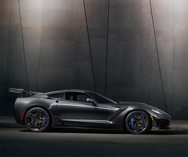 It's a Rocket! It's a Car! It's the Corvette ZR1 Shooting Flames!
