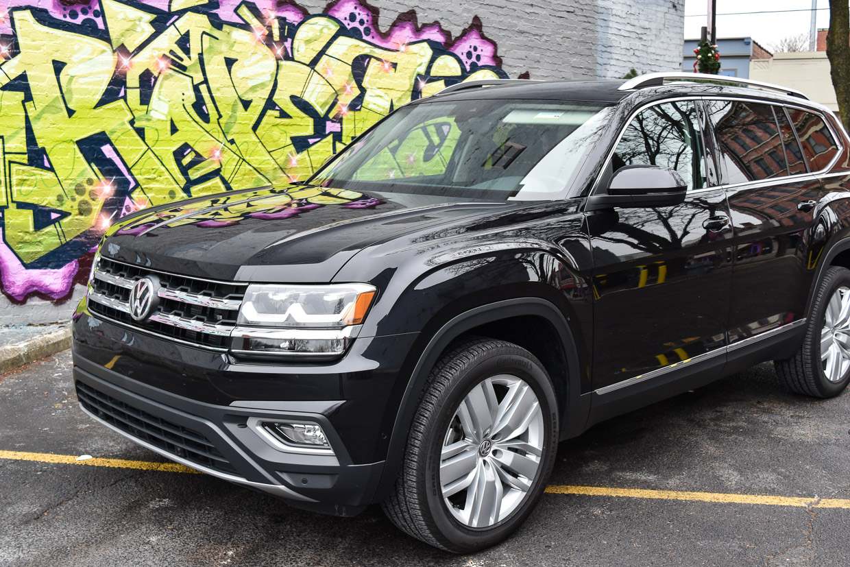 2018 volkswagen atlas v6 sel premium review bigger is better. Black Bedroom Furniture Sets. Home Design Ideas