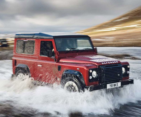 Land Rover Defender Works V8 Celebrates 70 Years with 400 Horses