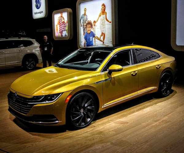 10 of the Sexiest Lines from the 2018 Chicago Auto Show