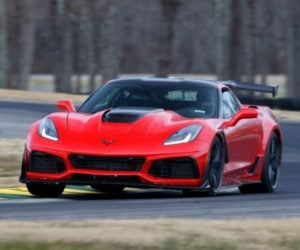 2019 Corvette ZR1 Takes VIR Production Car Lap Record