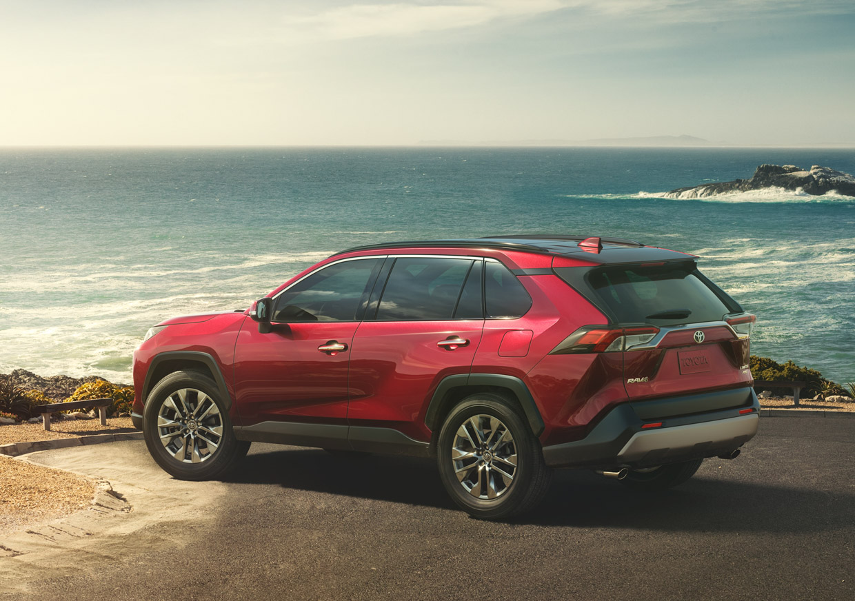 With The 2019 Model Of Rav4 Toyota Made A Conscious Decision To Move Its Design Away From Curvy Looks Carove More Rugged And