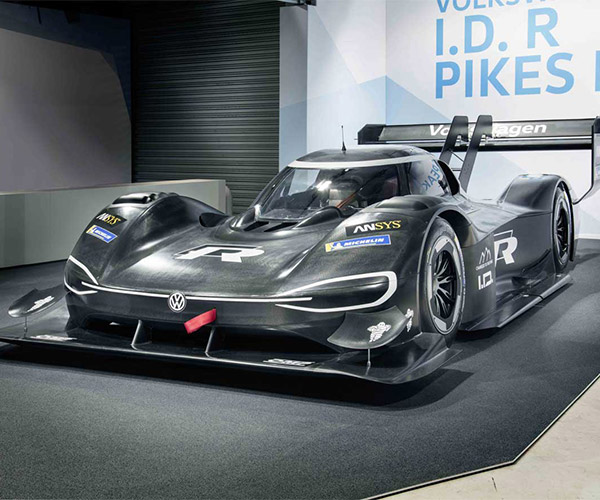 Official Pics of VW's Carbon Fiber Pikes Peak Bruiser Debut