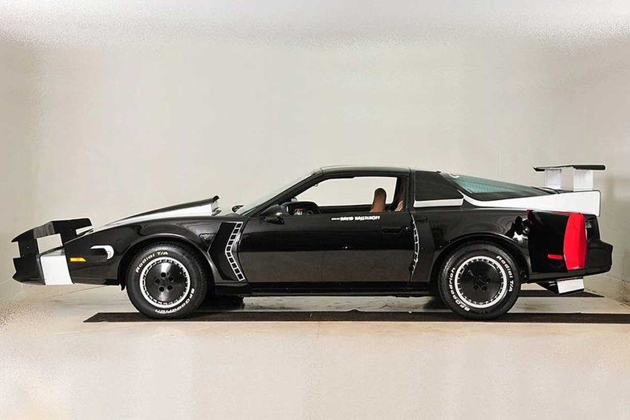 knight rider kitt pursuit car heads to auction. Black Bedroom Furniture Sets. Home Design Ideas