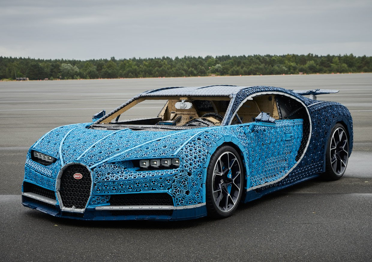 lego builds full size bugatti chiron and it actually. Black Bedroom Furniture Sets. Home Design Ideas