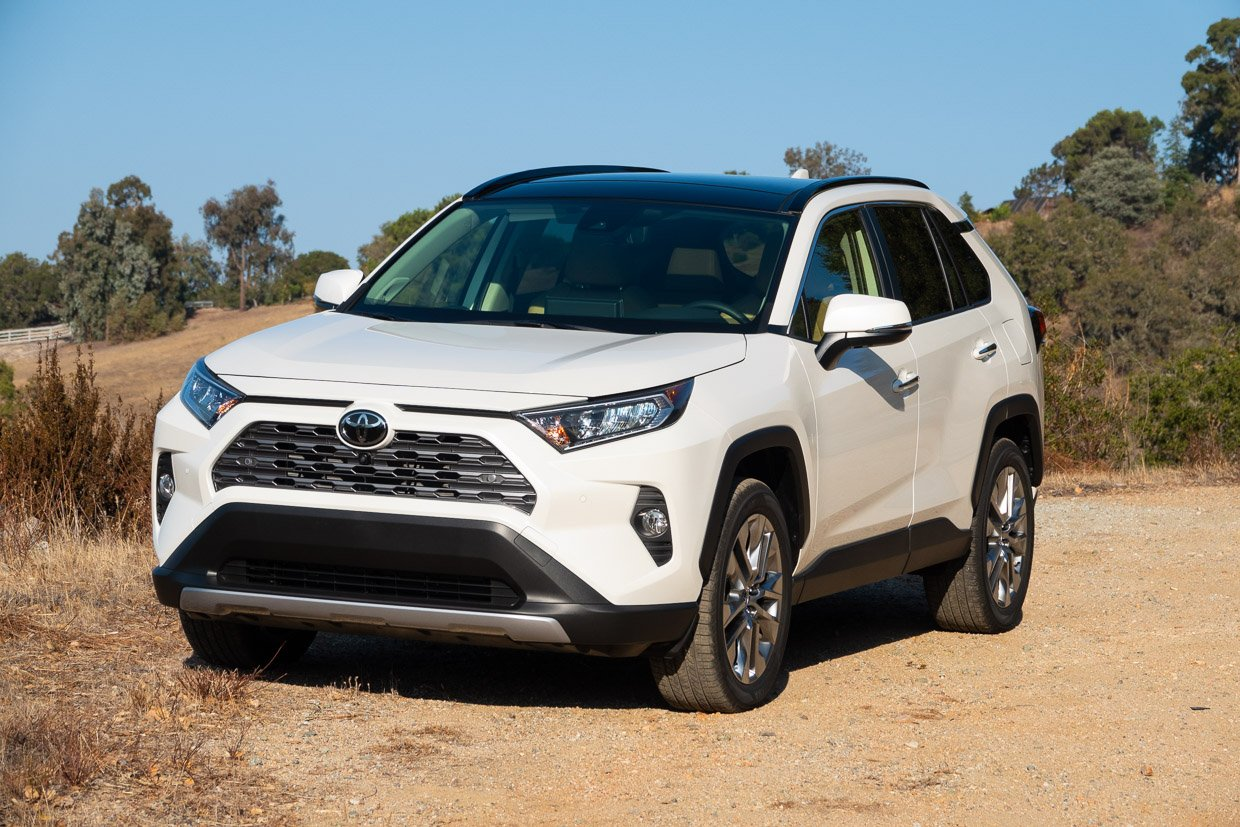 2019 toyota rav4 first drive review rav for all and all for rav 95 octane. Black Bedroom Furniture Sets. Home Design Ideas