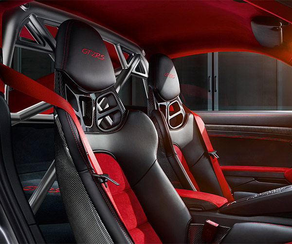 Porsche 911 GT2 RS Clubsport Package Cages the Beast