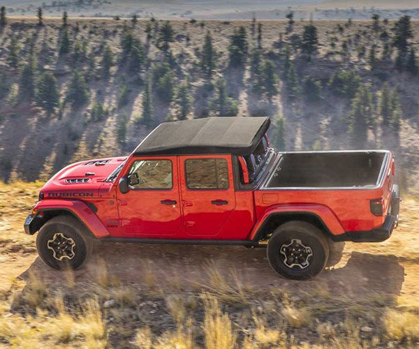 2020 Jeep Gladiator Truck is a Wrangler-camino
