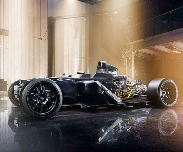 Vandal One Track Car Weighs 1,200 Pounds, Makes 560 Horsepower