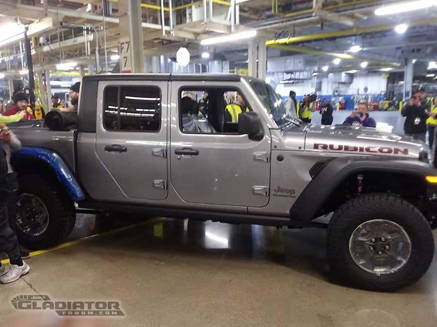 First Production Jeep Gladiator Rolls Off Assembly Line
