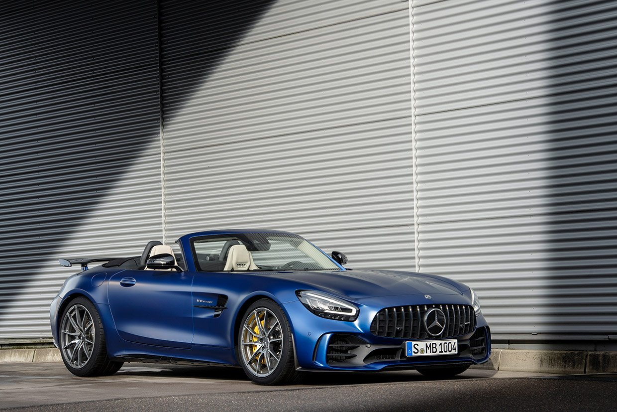 Mercedes AMG GT R Roadster Whips the Hair with 577hp