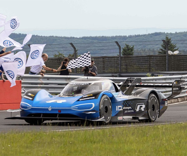 Volkswagen ID.R Crushes EV Nürburgring Record