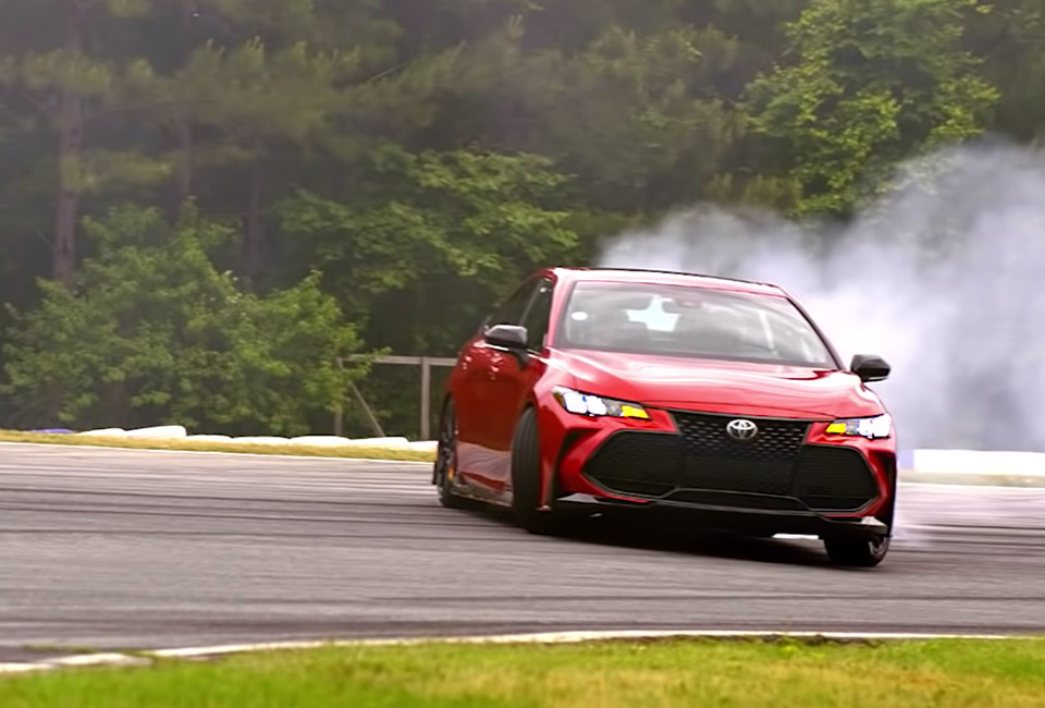 Ken Gushi Drifts the Toyota Avalon TRD