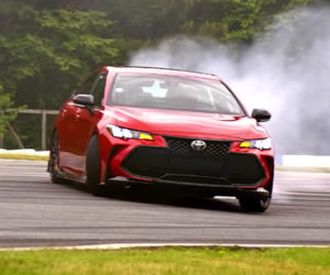 Ken Gushi Drifts the Toyota Avalon TRD