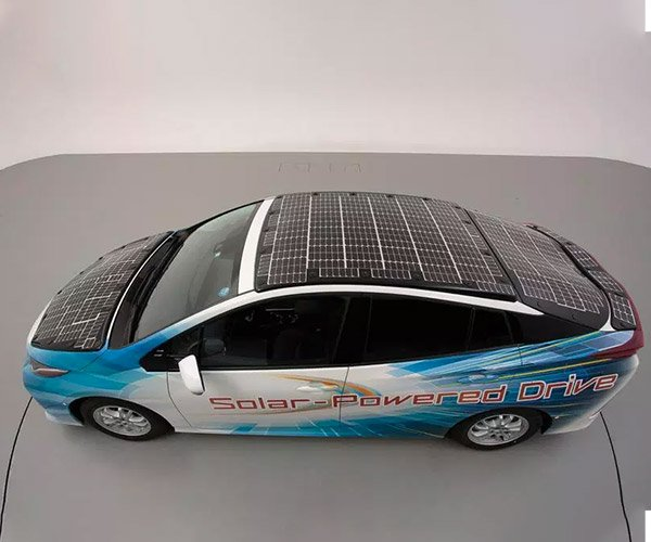 Toyota Shows off High-efficiency Solar EV Tech