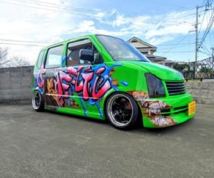 "Carspotting Japan: ""Hot Crack"" Suzuki Wagon R Graffiti Car"