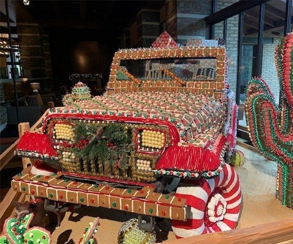 Gingerbread Jeep Looks Good Enough to Eat
