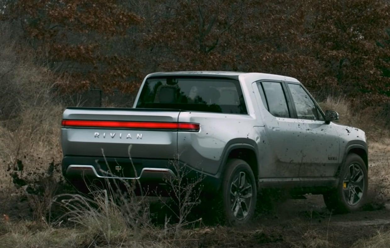Watch Rivian's Electric Pickup Truck Turn Like a Tank