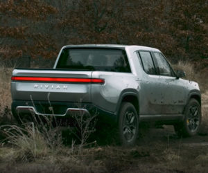 Watch Rivian's Electric Pickup Truck Turn Like a Tank