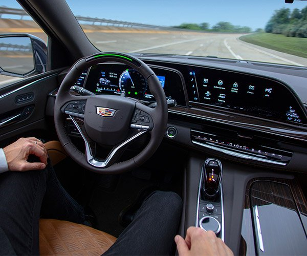 2021 Cadillac Escalade Brings the Tech