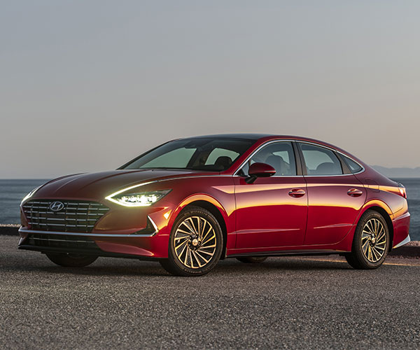 2020 Hyundai Sonata Hybrid Packs Features and Fuel Economy