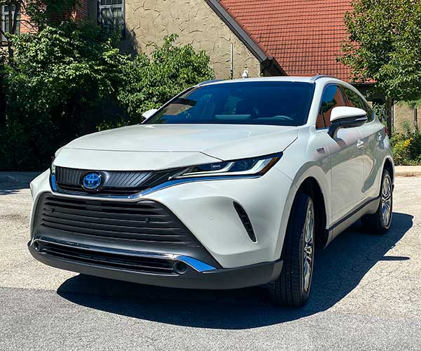 2021 Toyota Venza: A Fancy Pants RAV4 Hybrid (Not That There's Anything Wrong with That)