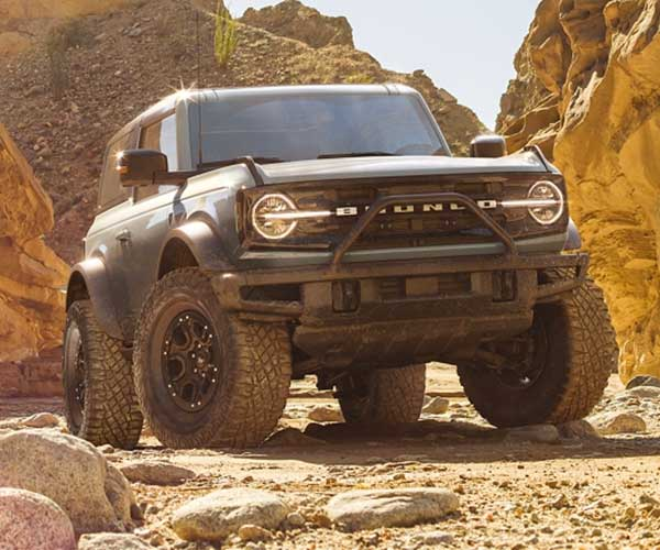 Ford Appears to Be Testing Bronco Sasquatch Package with a Manual