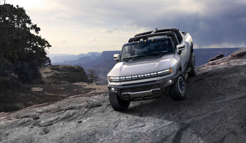 2022 GMC Hummer EV Is a 1000 hp Off-Road Supertruck