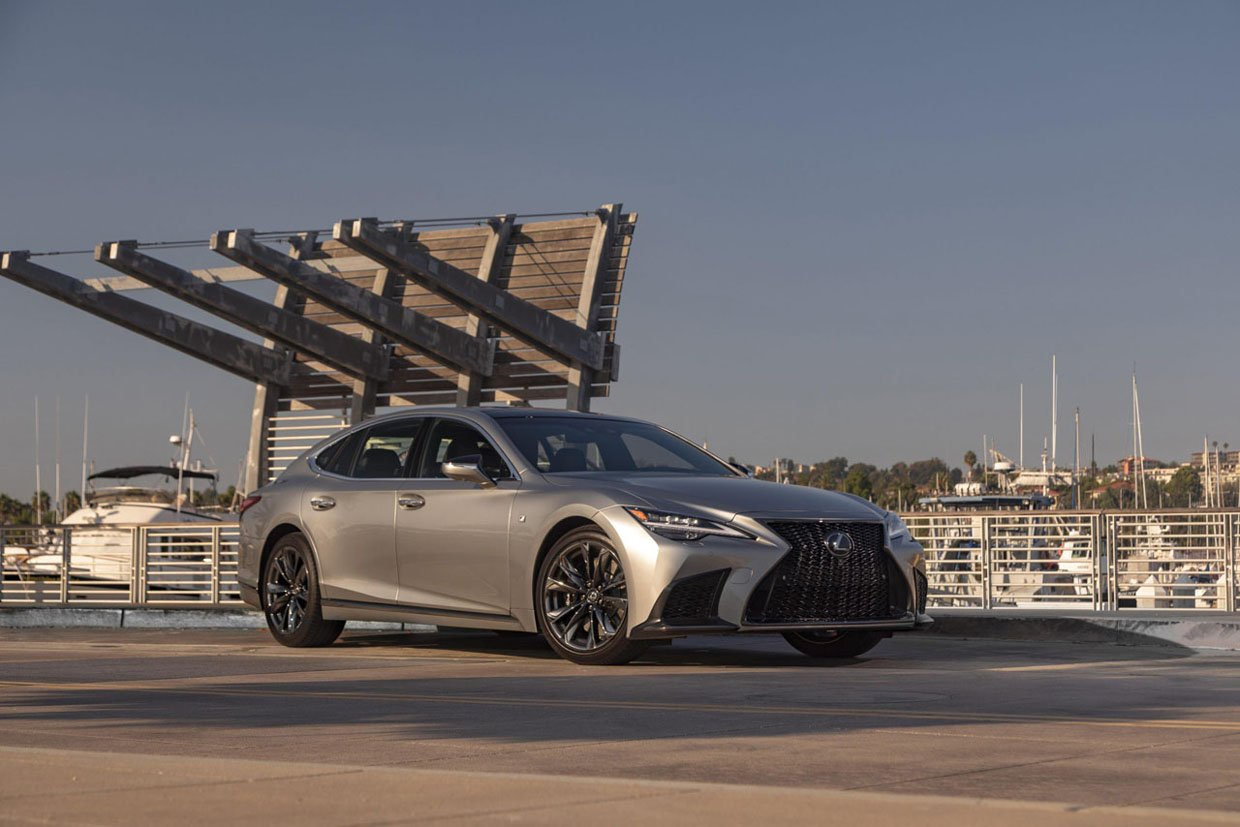 2021 Lexus LS 500 and Hybrid 500h Get Even More Comfortable