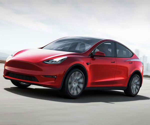 Less Expensive Rear-Wheel Drive Tesla Model Y Standard Range EV Debuts