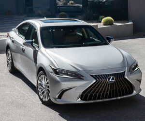 2022 Lexus ES Brings Tech, Safety, and Handling Updates