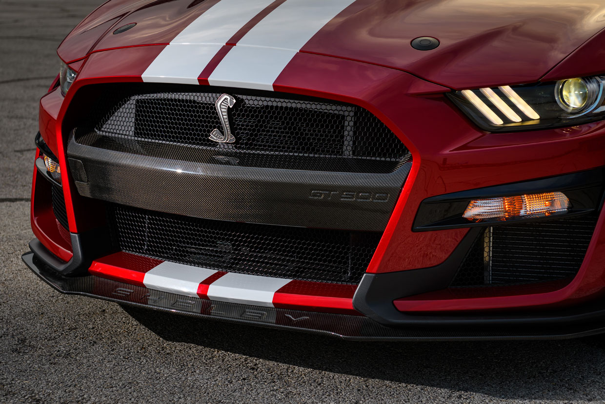Ford Performance Unveils Carbon Fiber Shelby GT500 Accessories
