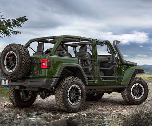 Jeep Wrangler 4xe Owners Can Get a Factory Lift Kit