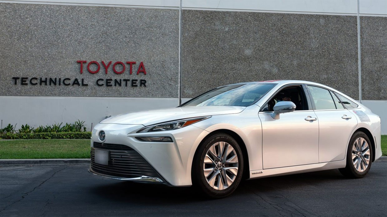 Toyota Mirai Grabs a Guinness World Record